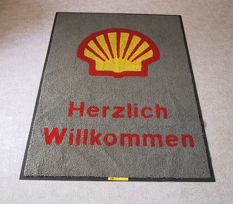 Teppich mit Shell Logo